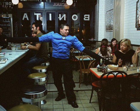 SERGIO GARCÍA from the State of México works as a waiter in New YorkHe sends 350 dollars a week