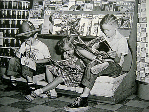 reading_comics05